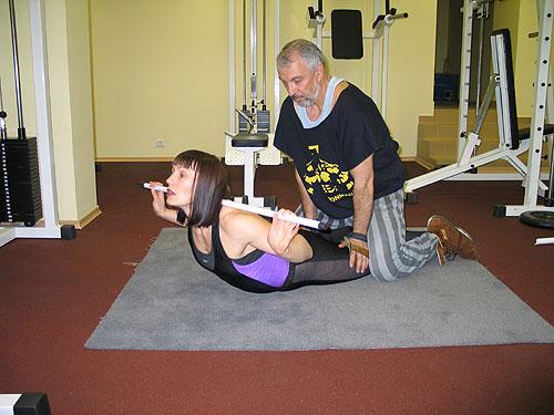 Гиперэкстензия упражнения в домашних условиях